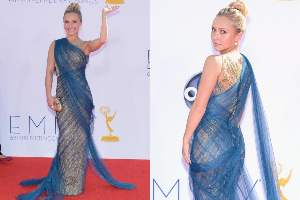 Hayden Panettiere does her best Statue of Liberty impersonation.