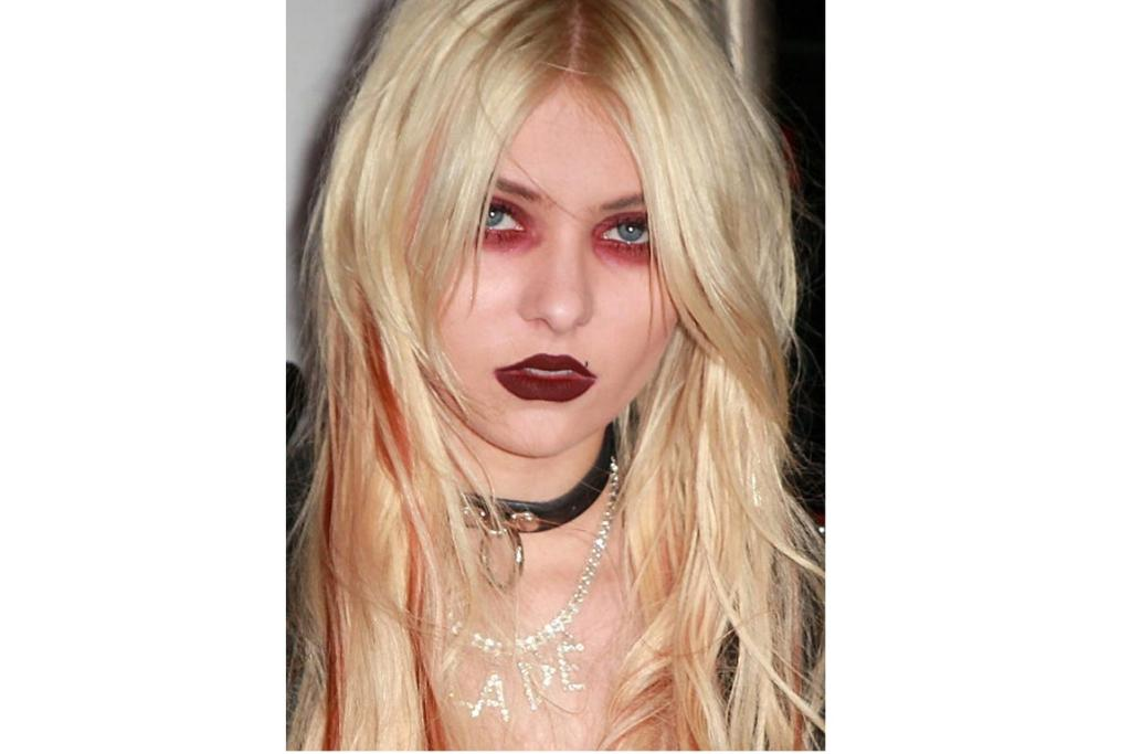Makupe mistakes Taylor Momsen 2