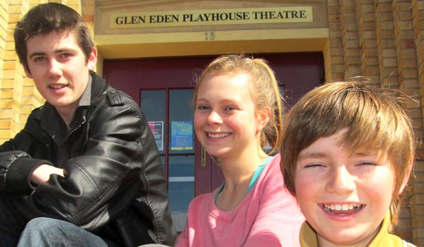 Playhouse Re Visits Oliver Stuffconz