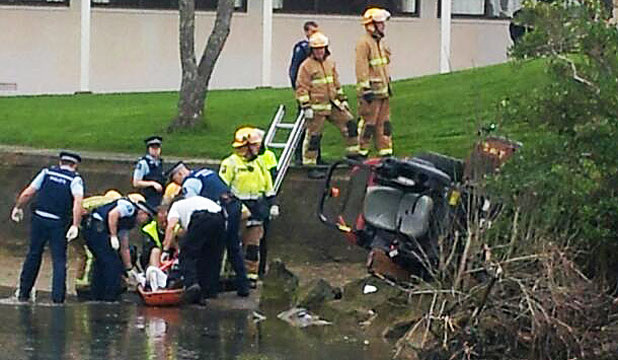 Man Trapped Under Ride On Lawnmower Stuff Co Nz