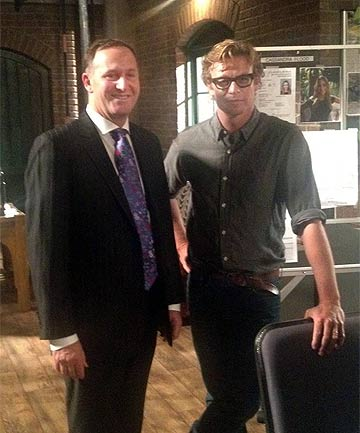 SHOWTIME: John Key with Simon Baker on the set of the Mentalist.