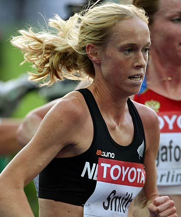 IN THE MONEY: Kimberley Smith won the Boston half-marathon to win the Boston Athletic Association's three-race series and $US100,000.