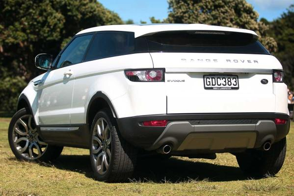 The Range Rover Evoque is the 2012 Women's World Car of the Year.