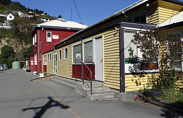 PROPOSAL: Lyttelton Main School could merge with Lyttelton West.