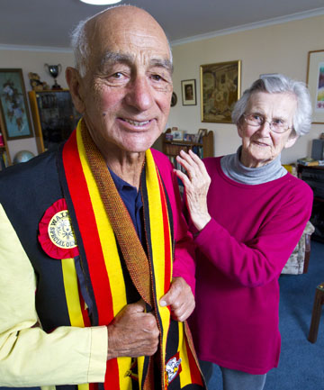 MOOLOO MAN: Arnel Ormsby, 86, with wife Eleanor, adjusts his colours as he prepares to parade down the main street of Hamilton in support of the Waikato rugby team.