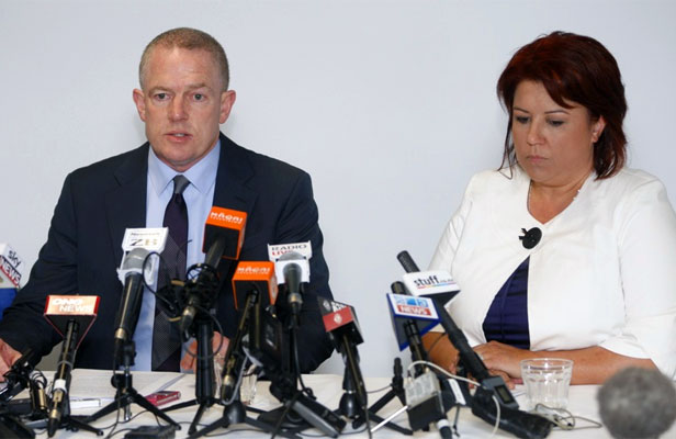 """VERY SIGNIFICANT MISTAKE"":Ministry of Social Development chief executive Brendan Boyle, left, and Social Development Minister Paula Bennett."