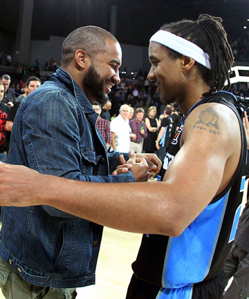 OLD MATES: Former Breakers and now Melbourne Tigers guard Kevin Braswell, left, and CJ Bruton will face off when the Breakers head to Melbourne on Friday.
