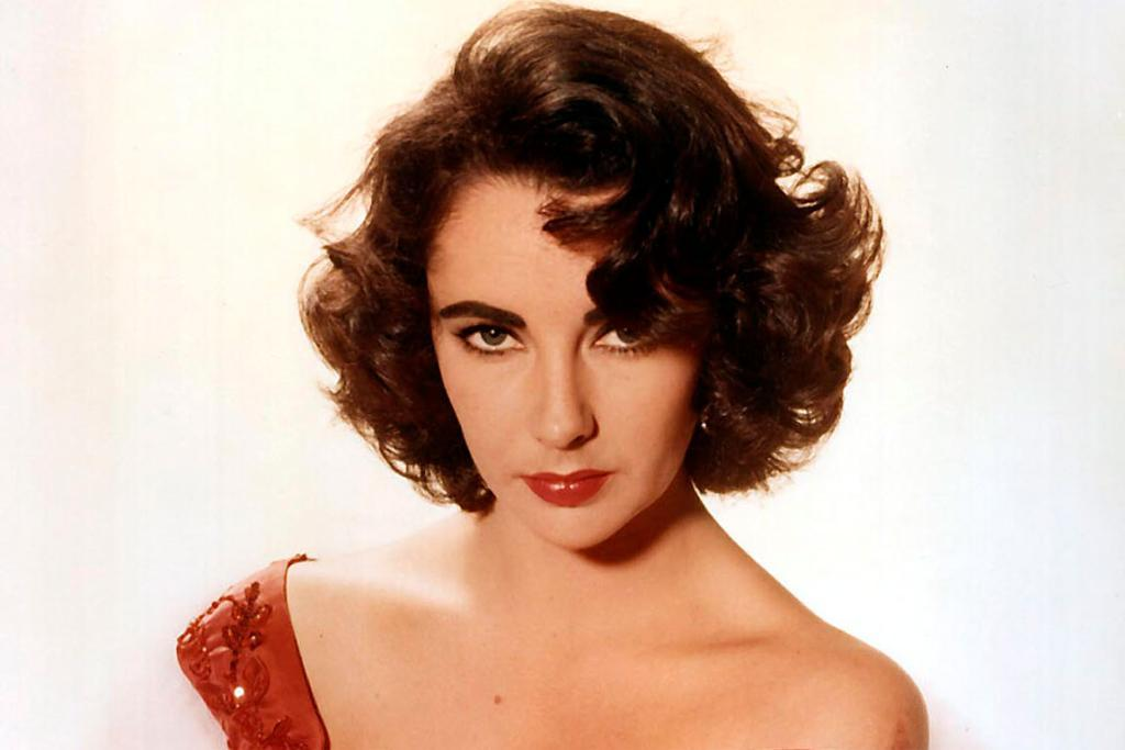 Liz Taylor who died in March 2011 aged 70 earned US$210 million.