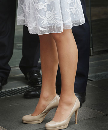 News women wearing pantyhose