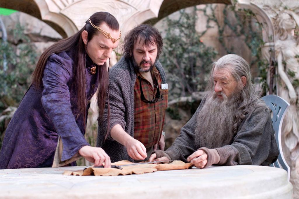 Behind-the-scenes images of The Hobbit with Peter Jackson working on the set.