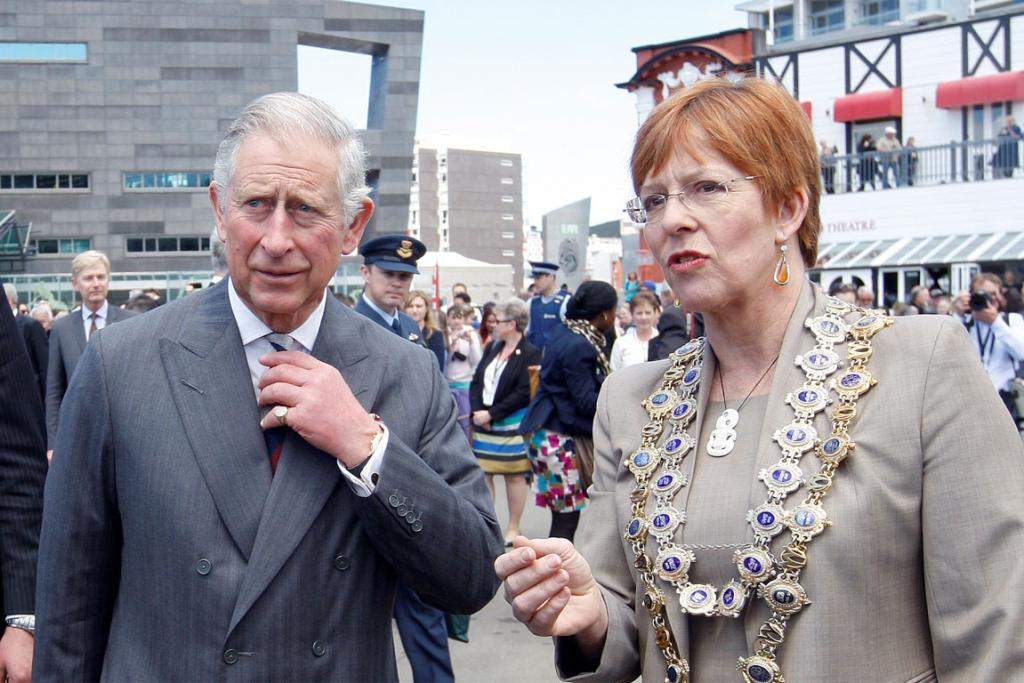 Wellington Mayor Celia Wade-Brown talks with Prince Charles.