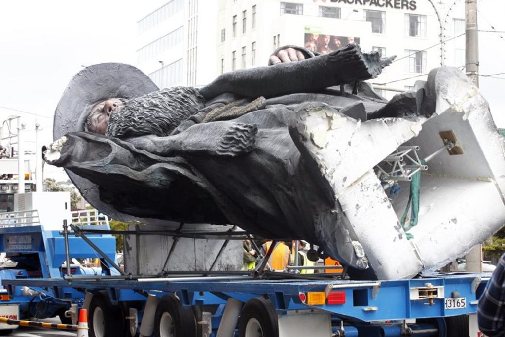 GOING UP: A huge sculpture for The Hobbit move premiere is being installed on top of the Embassy Theatre.