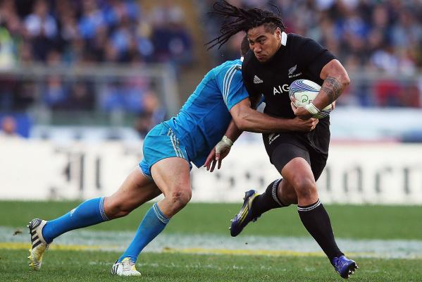 Ma'a Nonu makes a break against Italy.