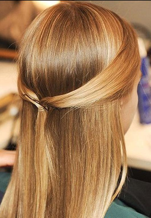 Sweet and simple hair at Pucci for the relaxed bride.
