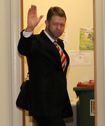 WALK OF SHAME: David Cunliffe walks into the urgent Labour caucus meeting at 4pm.