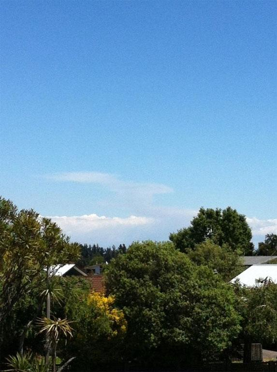 The ash cloud as seen from Taupo, around 2pm.