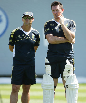 FOOD FOR THOUGHT: Gary Kirsten and captain Graeme Smith.