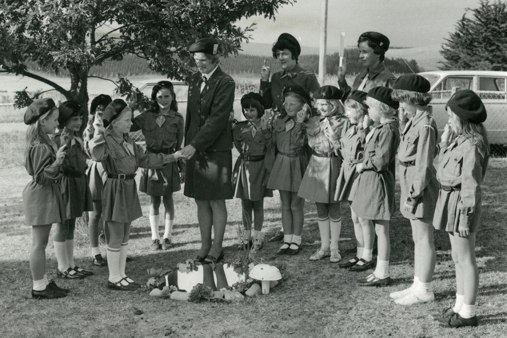 GETTING STARTED: Rosewill brownies' first enrollment, November 1971.