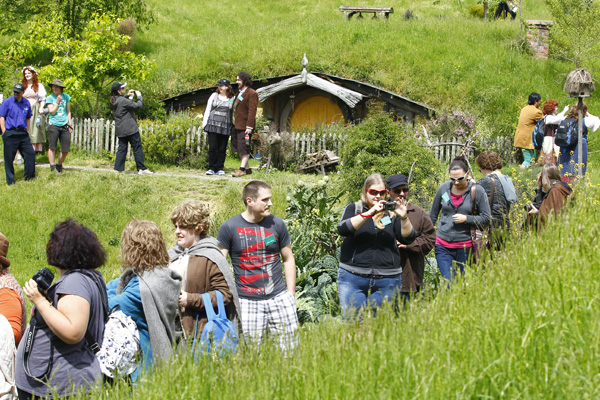 About 100 fans from as far as Britain and America went on an exclusive fans tour of Hobbiton on Saturday.
