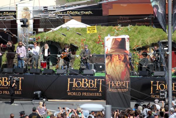 neil Finn at Hobbit premiere