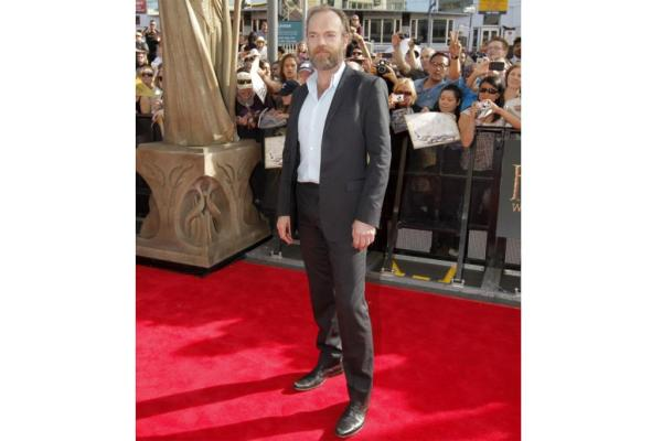 Hugo Weaving at Hobbit premiere