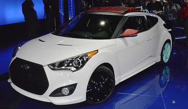 New Hyundai Veloster C3 concept car features a roll-back canvas roof and keeps the quirky door layout.