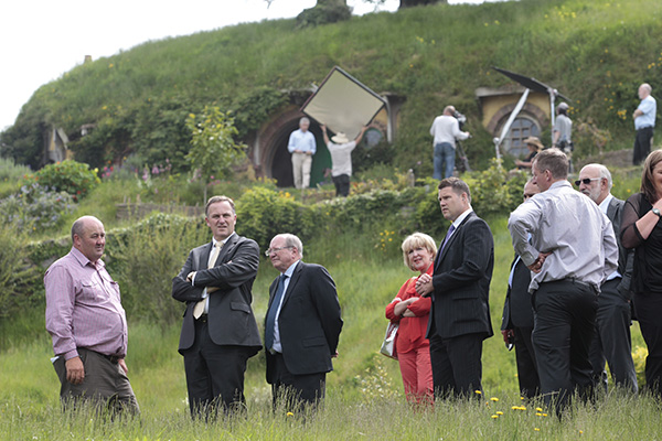 Hobbiton GM Russell Alexander with PM John Key at the Green Dragon Pub.