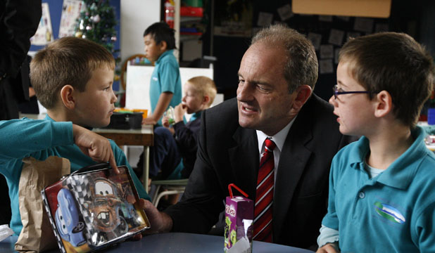 CLASSROOM VISIT: Labour Party leader David Shearer talks to Oceanview Heights School pupils Daesharn Wilson, left, and Shaneka Pritchard, in Timaru yesterday.