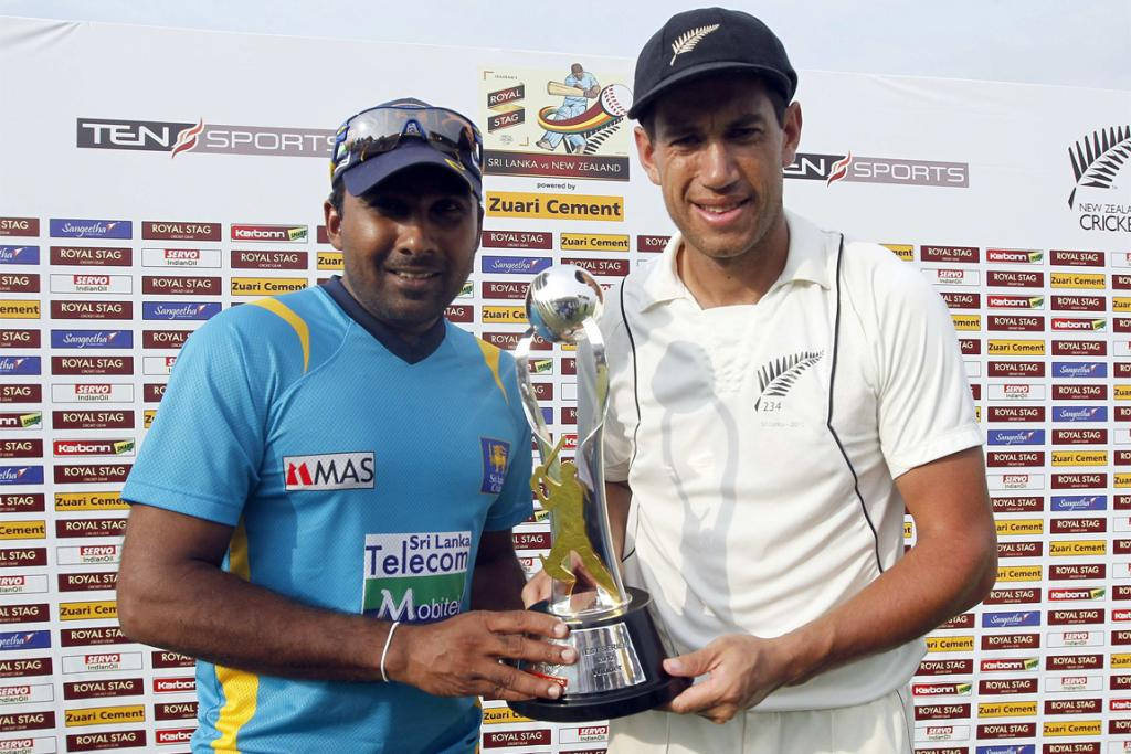 Captains Mahela Jayawardene (left) and Ross Taylor (right) with series trophy.