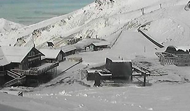 BLANKETED: Snow covers the Mt Hutt skifield in Canterbury.