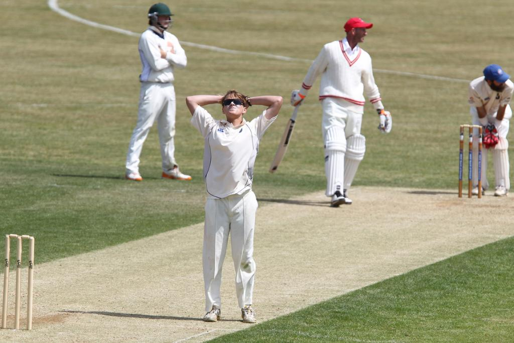 Takapuna's Elliot Herd is disappointed after appealing for the wicket of Papatoetoe's Chris Harris.