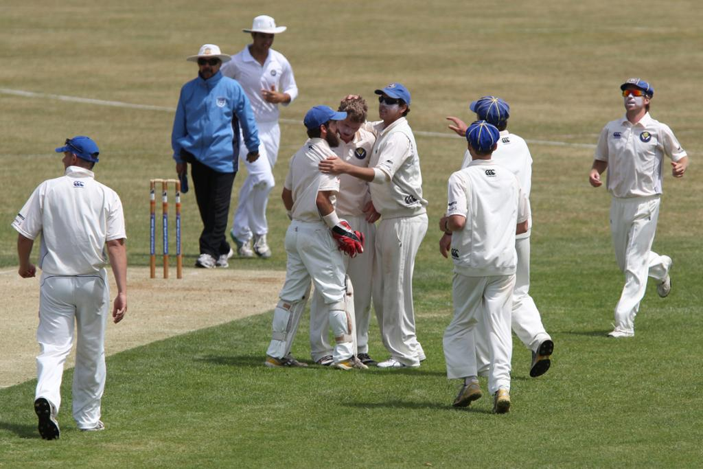 Takapuna celebrate a wicket against Papatoetoe.