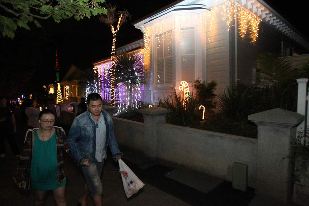 The Christmas lights were lit up on Auckland's Franklin Rd at the weekend.