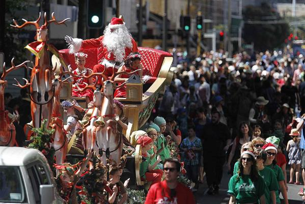 Santa parade Wellington