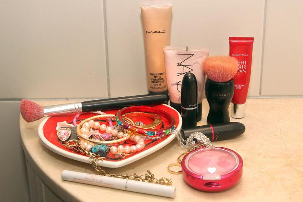 """Elizabeth Arden liquid eyeliner, a blusher, foundation and Nars illuminator, and my favourite Phoenix brushes."""