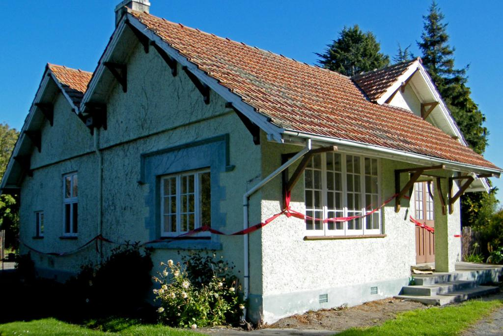 temuka domain house
