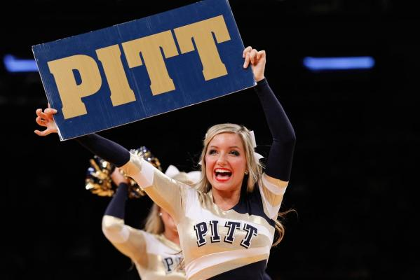 Pitt cheerleader