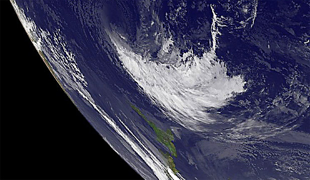 UNWANTED CHRISTMAS GIFT: What remains of Cyclone Evan moves closer to New Zealand.