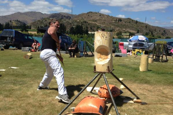 Cromwell woodchopping 3