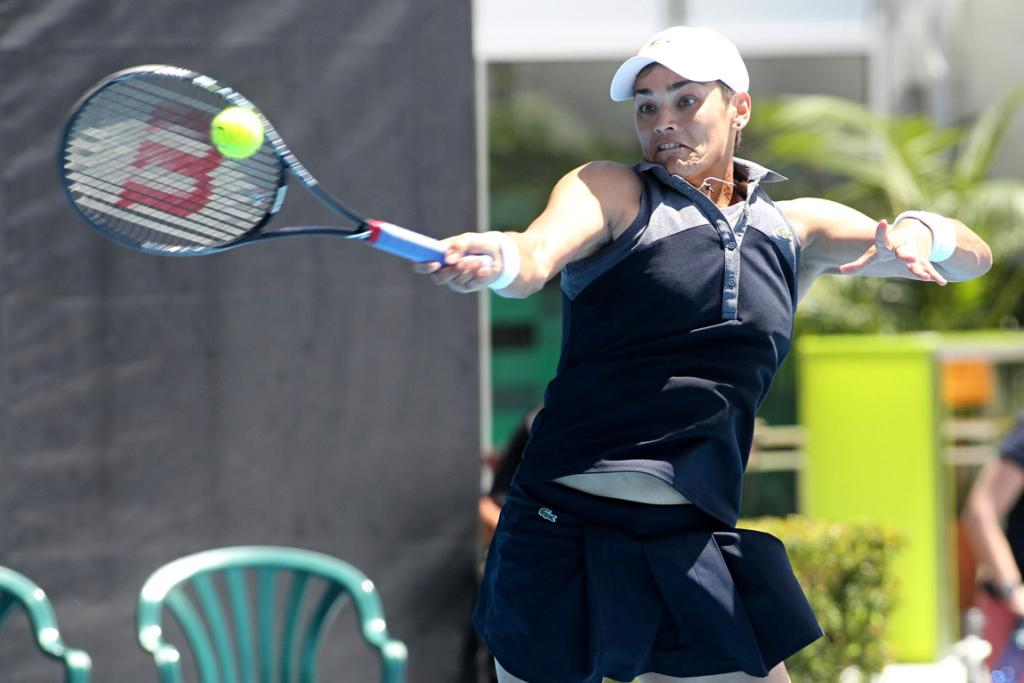 Eleni Daniilidou hits a forehand return during her match against Coco Vandeweghe.