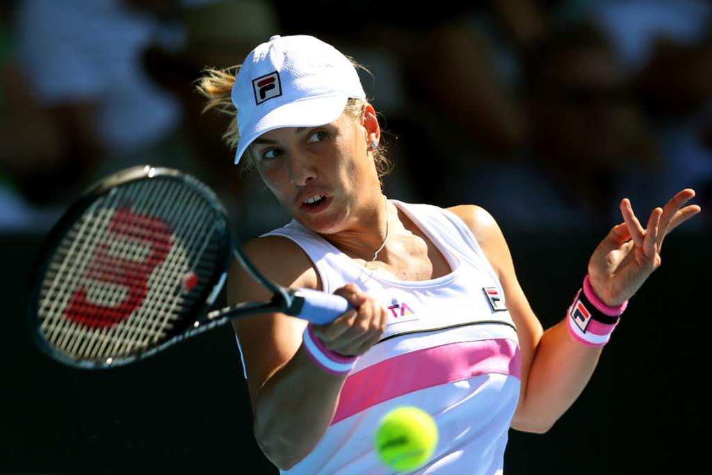 New Zealand's Marina Erakovic plays a forehand in her first round win over Canada's Stephanie Dubois at the ASB Classic.