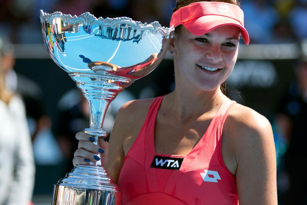 Agnieszka Radwanska with the ASB Classic trophy.