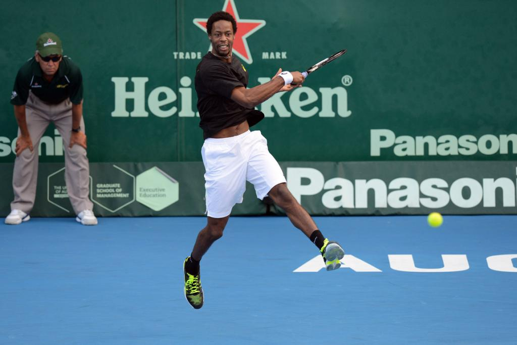 Gel Monfils beat Tommy Haas to progress to the semifinals.