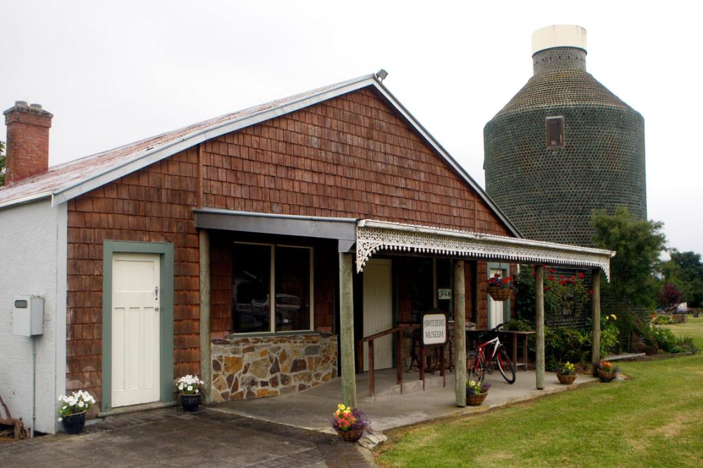 The Waikaia museum and bottle house.