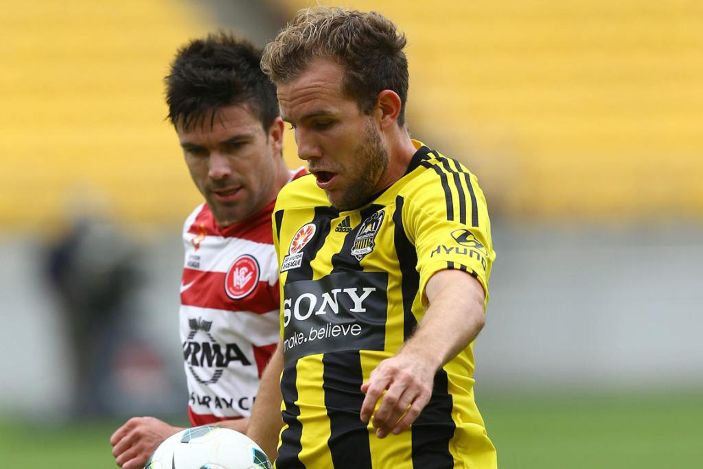 Jeremy Brockie with the ball agaisnt Western Sydney.