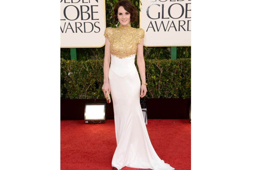 Michelle Dockery - Lady Mary Crawley in our hearts - looks wonderful in Alexandre Vauthier. Colour is key here, if this was black and silver it'd be too harsh, but gold and white makes it lovely and regal.