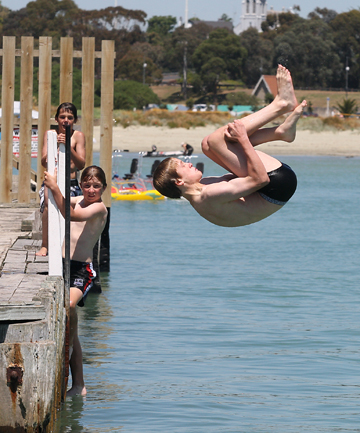 diving, dive bombing, flipping, swimming, wharf jumping