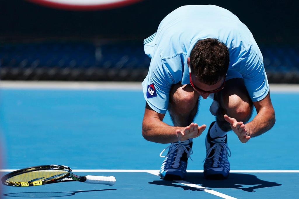 Jerzy Janowicz exploded in rage after losing a 79-minute set to India's Somdev Devvarman.