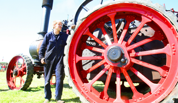 Southland Steam Engine Club vice-president Nathan Scurr with a 1910 8 hp Marshall Traction Engine at the Edendale Crank Up.