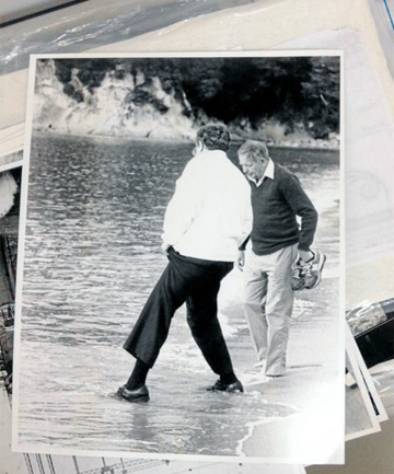 TESTING THE WATERS: David Lange, left, and Bill Rowling in a light-hearted mood at Kaiteriteri Beach in 1989.